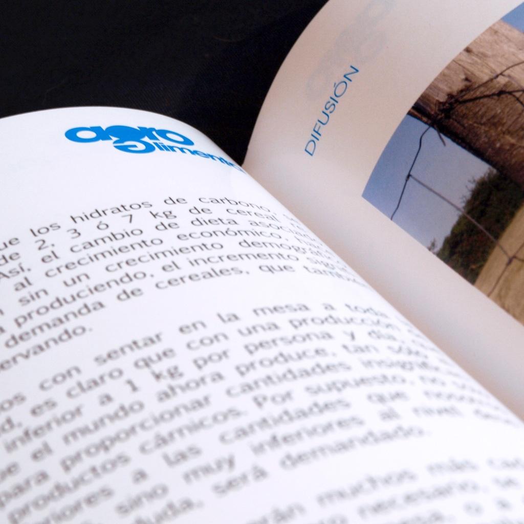 Diseño y maquetación de Agroalimenta, revista editada por el Colegio de ingenieros agrónomos de Asturias y la Fundación Jovellanos de Agraristas del Principado