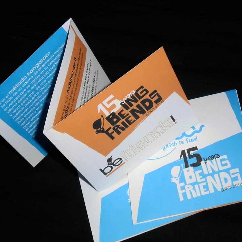 diseño y maquetación de desplegable en zeta para aniversario befriends